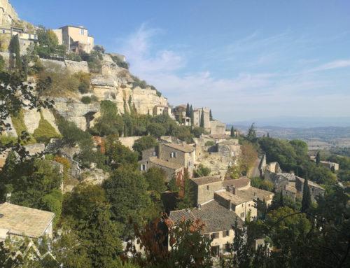 Wanderung mit Hund in der Provence von Gordes zur Abtei Notre-Dame de Sénanque